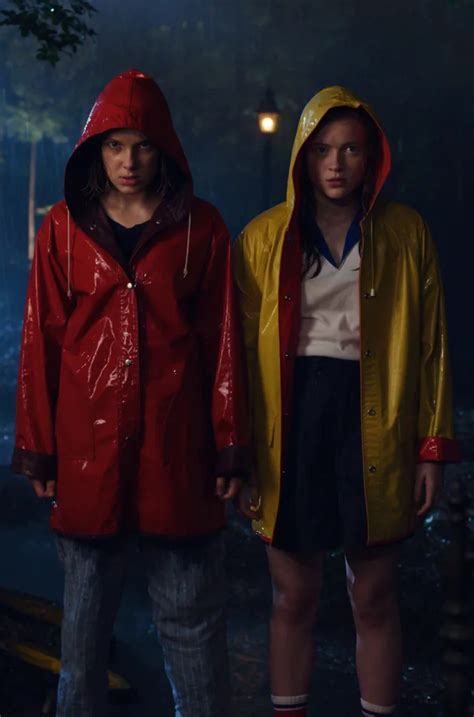Max and Eleven - Stranger Things - TV Fanatic | Wallpapers ...