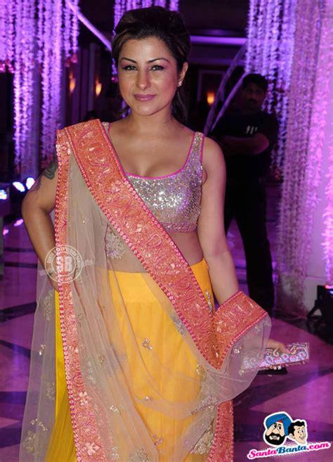 sunidhi chauhan wedding reception hard kaur picture