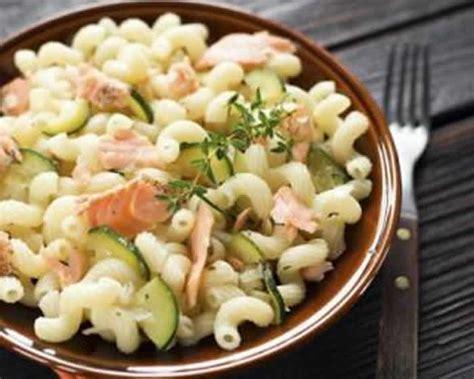 cuisiner avec cookeo pates au saumon et aux courgettes avec cookeo recette facile