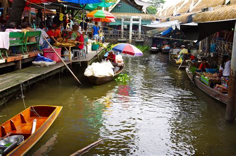 Taling Chan Floating Market A Big Disappointment The