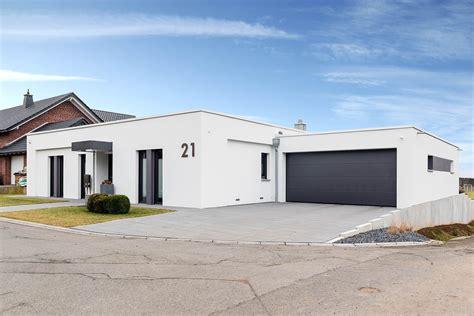 Bungalow Grundrisse Mit Doppelgarage by Winkelbungalow Mit Garage Bungalow 162 Moderner Bungalow
