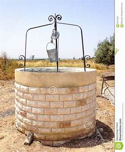 Old Water Well With Pulley And Bucket Stock Image - Image ...