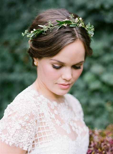 Cozy Fall Winvian Wedding Bride Flowers Flower Crown