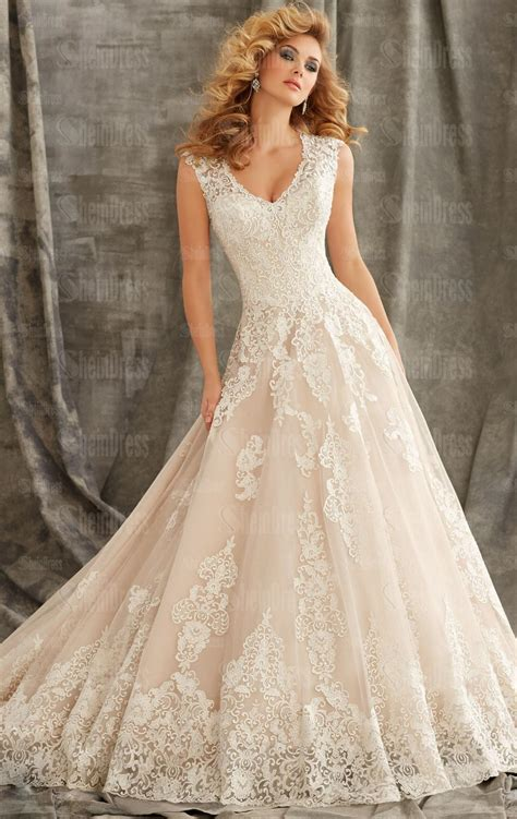 Beautiful Vintage Lace Princess Wedding Dress Hsnci0002