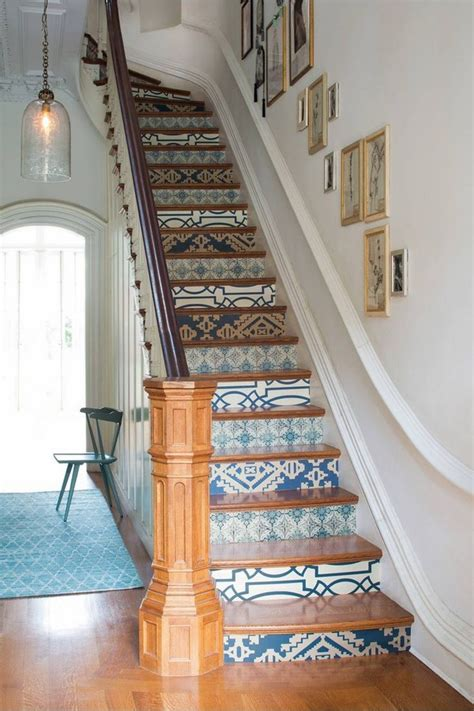 Treppenaufgang Tapezieren Ideen by Decorative Stair Risers Make A Statement With Your