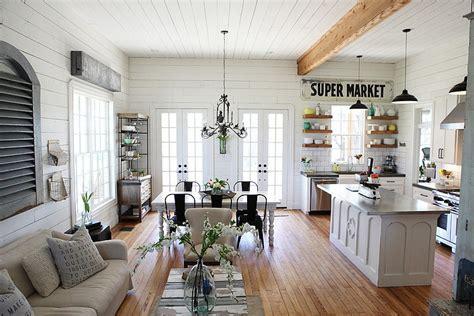 Farmhouse By Magnolia Homes-home Decoz