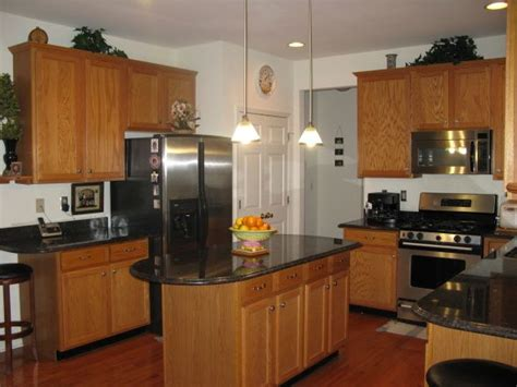 kitchens with honey oak cabinets best 25 brown granite ideas on brown 8792