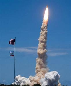 NASA - Space Shuttle Discovery Lifts Off!
