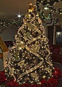 1000 ideas about Elegant Christmas Decor on Pinterest