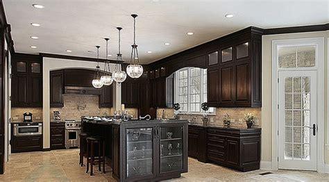 armoire de cuisine bois cuisine en chene massif avant relookage cuisines bois
