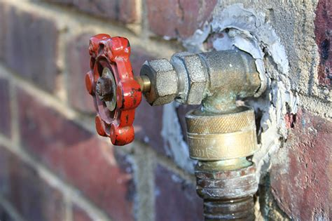 Fix Faucet Outside by How To Repair A Leaky Outdoor Faucet Fix It Yourself