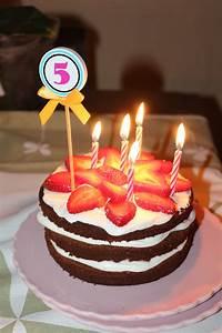 Image De Gateau D Anniversaire : image de gateau d anniversaire gratuit arts culinaires ~ Melissatoandfro.com Idées de Décoration