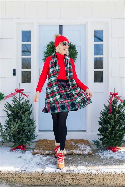 Plaid Skirt for Winter (With images) Plaid skirts Black