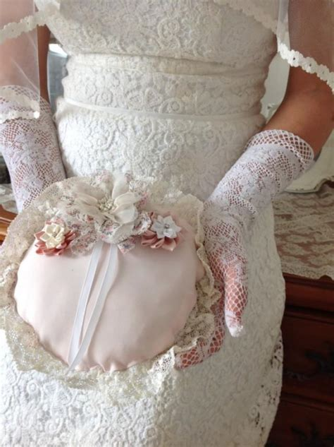 wedding gifts bridal ring pillow for carrying the ring