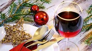 Wein Und Glas Essen : der passende wein zum essen an weihnachten evidero ~ A.2002-acura-tl-radio.info Haus und Dekorationen