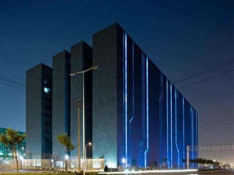 largest data centers   world freeyork