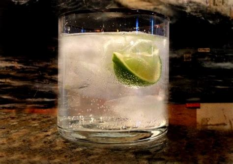 vodka and tonic dr thirsty classic the vodka tonic dr thirsty