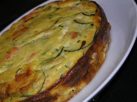 cuisiner une grosse courgette flan de courgettes au saumon cuisiner facile légumes
