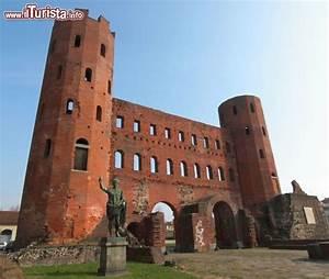 La Porta Palatina Di Torino  Erroneamente Conosciuta