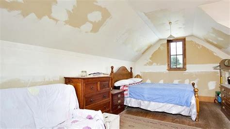 These Disgusting Bedrooms Will Kill The Passion In Any