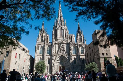 All news about the team, ticket sales, member services, supporters club services and information about barça and the club. Catedral de Barcelona (La Seu), Barcelona
