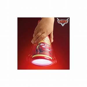 Veilleuse Pas Cher : veilleuse lampe torche cars 2 en 1 go glow luciole pas cher disney ~ Teatrodelosmanantiales.com Idées de Décoration