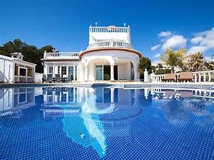 Grande Piscine Pas Cher : le top 10 des villas avec piscine interhome ~ Dailycaller-alerts.com Idées de Décoration
