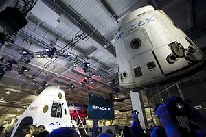 The Aviationist » Inside Look at SpaceX Dragon V2, the ...