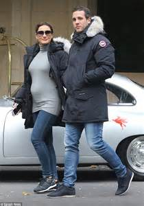 Sam Faiers Encases Her Growing Bump In Cosy Knit While Out With Paul Knightley Daily Mail Online
