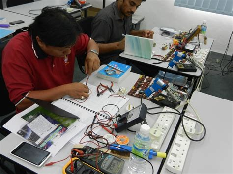 Electronics Repair Course Malaysia  Electronics Repair. Innovative Senior Care Home Health. Addiction Recovery Groups Unt School Of Music. Step And Repeat Illustrator Big Pickup Truck. Property Management Software Web Based. What Is A Managed Server Trans Union Disputes. Refrigerated Prep Tables How To Invest 100000. Security Seals For Containers. Where Is M Y Tax Refund Chase Business Online