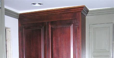 how level do cabinets have to be for quartz another crown molding question google groups