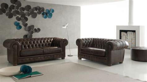 chambre noir et gris canapé chesterfield tout en cuir italien