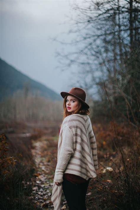 northwest pnw portrait outdoors fashion boho redhead