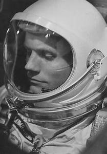 25+ best ideas about Astronaut helmet on Pinterest ...