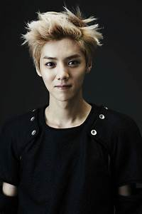 Luhan's father speaks up about Luhan's decision to file a ...  Luhan