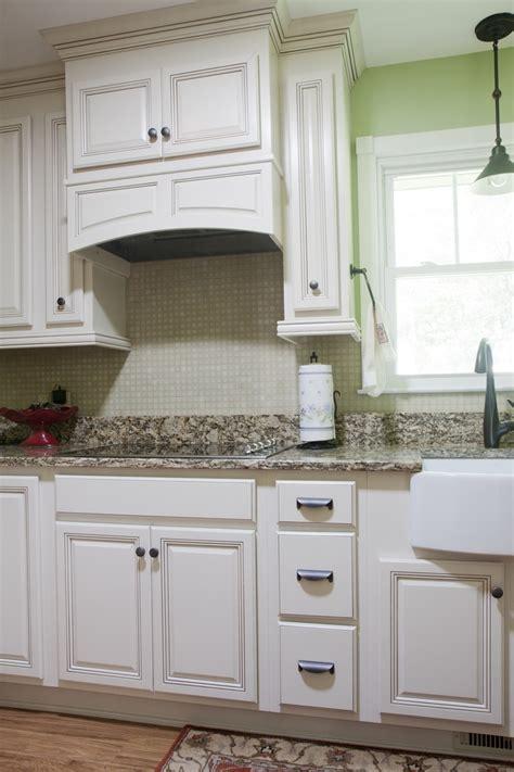 images  kitchen stove canopy designs  pinterest