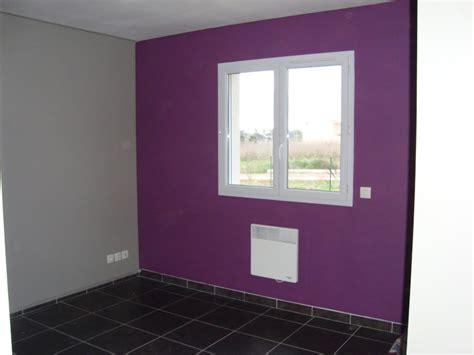 peinture prune chambre peinture terminée place à la deco