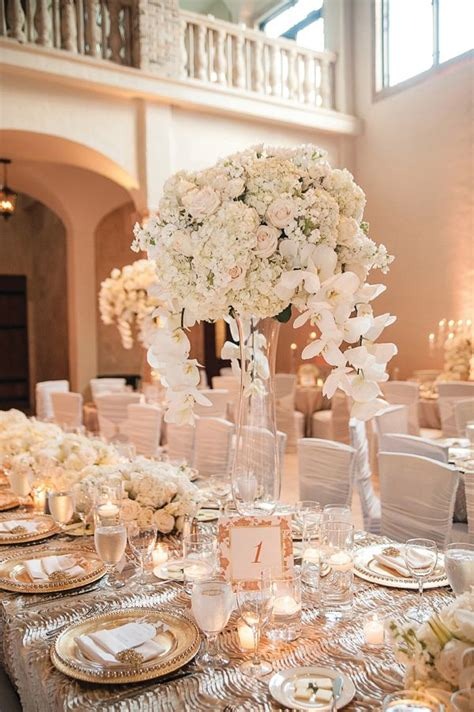White and Gold Themed Wedding in Houston by Lulu Lopez