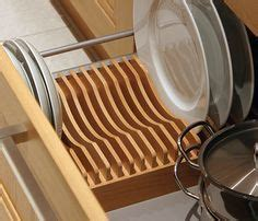 wood plate rack  vertical plate storage  armazenamento de pratos ideias de organizacao