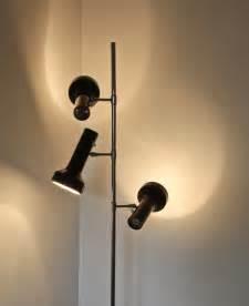Lampadaire 3 Spots : lampadaire monix 3 spots marron chocolat 1970 design market ~ Teatrodelosmanantiales.com Idées de Décoration