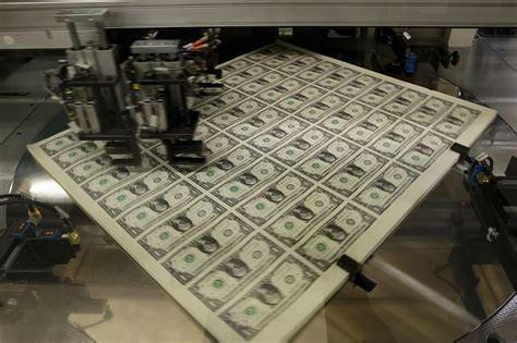 bureau usa the factory how a u s one dollar bill is printed