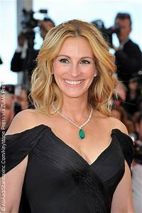 Julia Roberts is PEOPLE's Most Beautiful Woman of 2017 ...