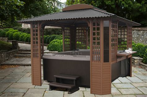 Let's take a look at some of the hot tub enclosure ideas that you can use to take inspiration for your hot tub enclosure. Figure 16 Freestanding hot tub enclosure - Excelite Pool