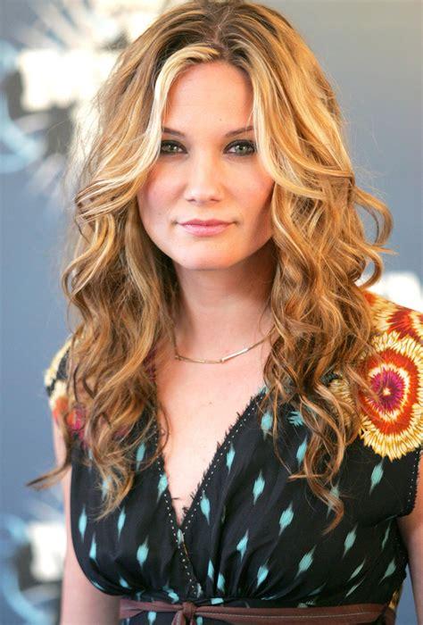 Jennifer Nettles Hairstyles Gallery