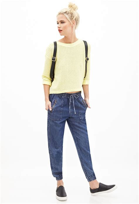 104 best denim jogger outfits images on Pinterest | Joggers outfit Woman fashion and Fashion styles