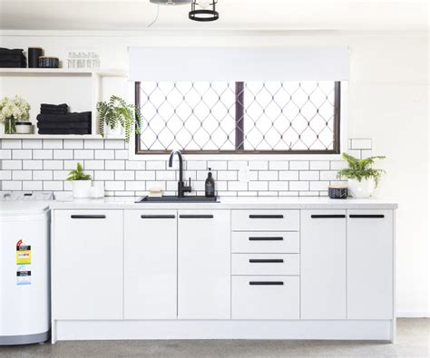 mitre 10 kitchen cabinets mitre 10 kitchen cabinets repaint your kitchen cabinetry 7542