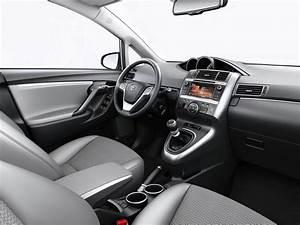 As U00ed Queda La Gama Del Toyota Verso 2015