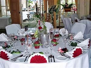 Saal gasthof bammes in n rnberg hochzeitssaal for Tischdekoration hochzeit runde tische