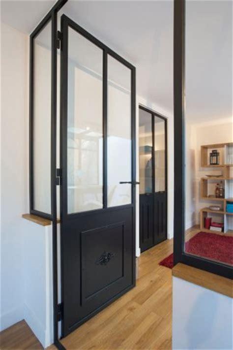 meubles de cuisine bas porte de style atelier d 39 artiste en acier battante ou à