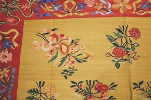 tapis et kilim bessarabien a la galerie jean louis goy With tapis kilim avec canapé faible profondeur